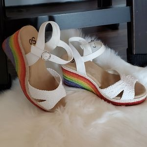 So loveable wedge sandals